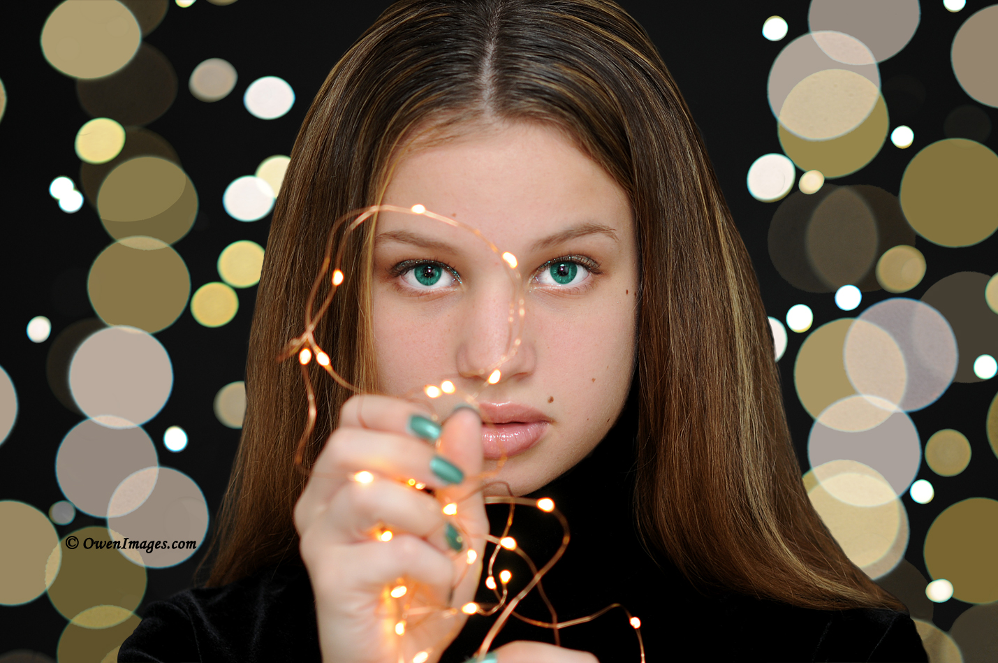 Portrait photography with tiny lights.
